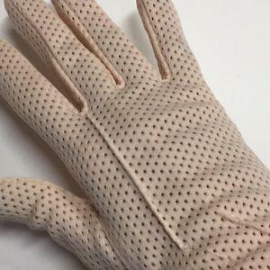 Accessories - VINTAGE pink ladies gloves HOST PICK♥️♥️